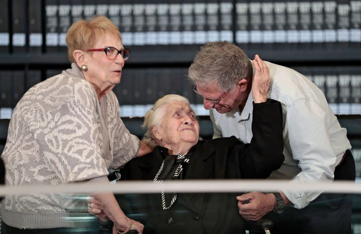 92-Year-Old Who Hid Jewish Family During Holocaust Meets Survivors' Grandchildren